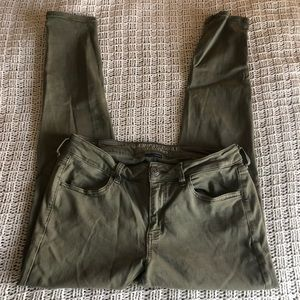American Eagle- Green, Super Stretchy X Jegging